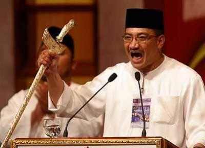 Hisham_Keris_UMNO