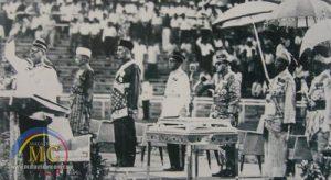 Tunku Abdul Rahman isytihar penubuhan Malaysia di Stadium Merdeka. Imej dari Malaysiancoin.
