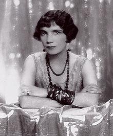 Lady Sylvia Brooke, isteri kepada Charles Vyner Brooke (yang menjadi Rajah Putih terakhir). Imej dari historybuff.com