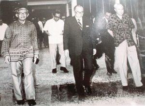 Tun Dr Ismail, Tun Razak dan Tun Tan Siew Sin. Imej dari New Straits Times.