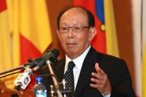 Tun Musa Hitam adalah Timbalan Perdana Menteri dan Menteri keselamatan Dalam Negeri waktu tu. Imej dari The Malay Mail.