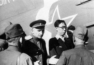 Pu Yi ditahan masa nak lari ke Jepun. Imej dari End of Empire.