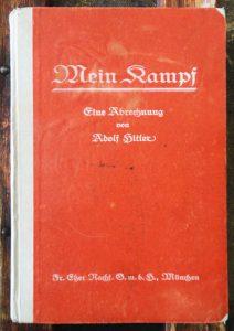 Buku asal Mein Kampf. Imej dari od43.com