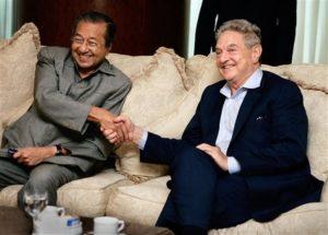 Dr Mahathir jumpa Soros, masa Soros promosikan bukunya kat Malaysia. Imej dari mtholyoke.edu.