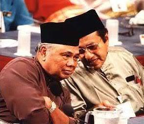 Ghafar Baba pernah jadi Ketua Menteri Melaka yang ke2. Imej dari mykmu.net