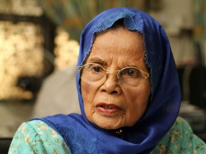 Aisyah Ghani jadi ketua pertama Gerakan Wanita PKMM. Imej dari Sinar Harian.